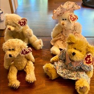 Ty Collectible Bears. Retired and w/ all tags